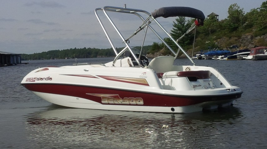 Pontoon-Boat-for-rent-in-Muskoka-Sea-Doo-Islandia-SE-at-Gravenhurst-Wharf